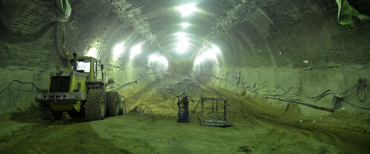تونل حکیم